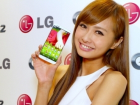 LG G2 在台搶先測試:與窄邊代表 S4 大 PK