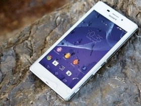 IP68 防水 4G:Sony M2 Aqua