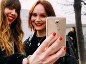 SUGAR 手機玩翻粉紅時尚,搶攻年輕人最愛美顏自拍