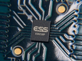 LG:V30 搭 HiFi QuadDAC 晶片