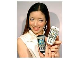 Sony Ericsson J200i 雪花機「背」受矚目