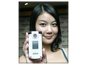 同步日本 Panasonic X800 超薄、超 Smart
