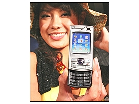 300 萬畫素 Nokia N80 3G、WiFi 一手掌握