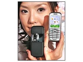 輕巧 3G 直立機 200 萬畫素 Nokia 6233