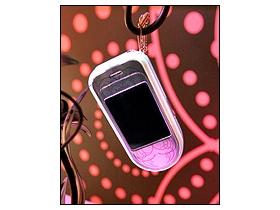 搶看 Nokia 時尚新機 L\'Amour 粉色風情