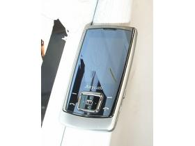 Samsung E848 速測:絕美 + 專業 MP3 表現