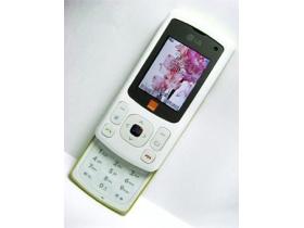 白色聖誕手機 LG KU380 清爽玩 3G!