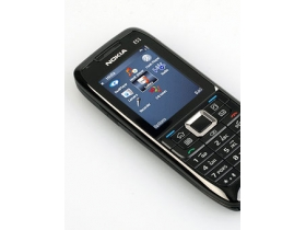 3.5G 全方位商務型男 Nokia E51 實機寫真