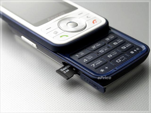 Samsung i458、F258 開賣!頂級音質 vs. 平價美聲