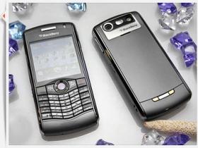 Pearl 8120 時尚黑莓 加強影音、八千元辦到好