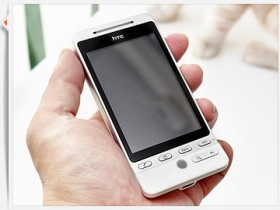 HTC Hero 完全評測(一):開箱與外觀