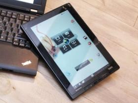 用 Android 的小黑 ThinkPad Tablet 商務平版